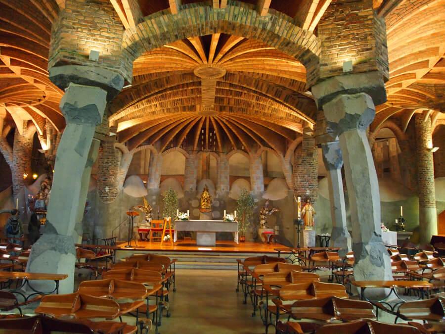 バルセロナからコロニア・グエルへ その2「コロニア・グエル地下教会」